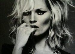 Tutti pazzi per Kate Moss!