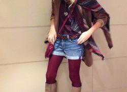 Osiamo con gli shorts e le calze colorate!